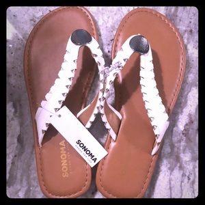 🆕 NWT Sonoma White & Silver Flip Flops